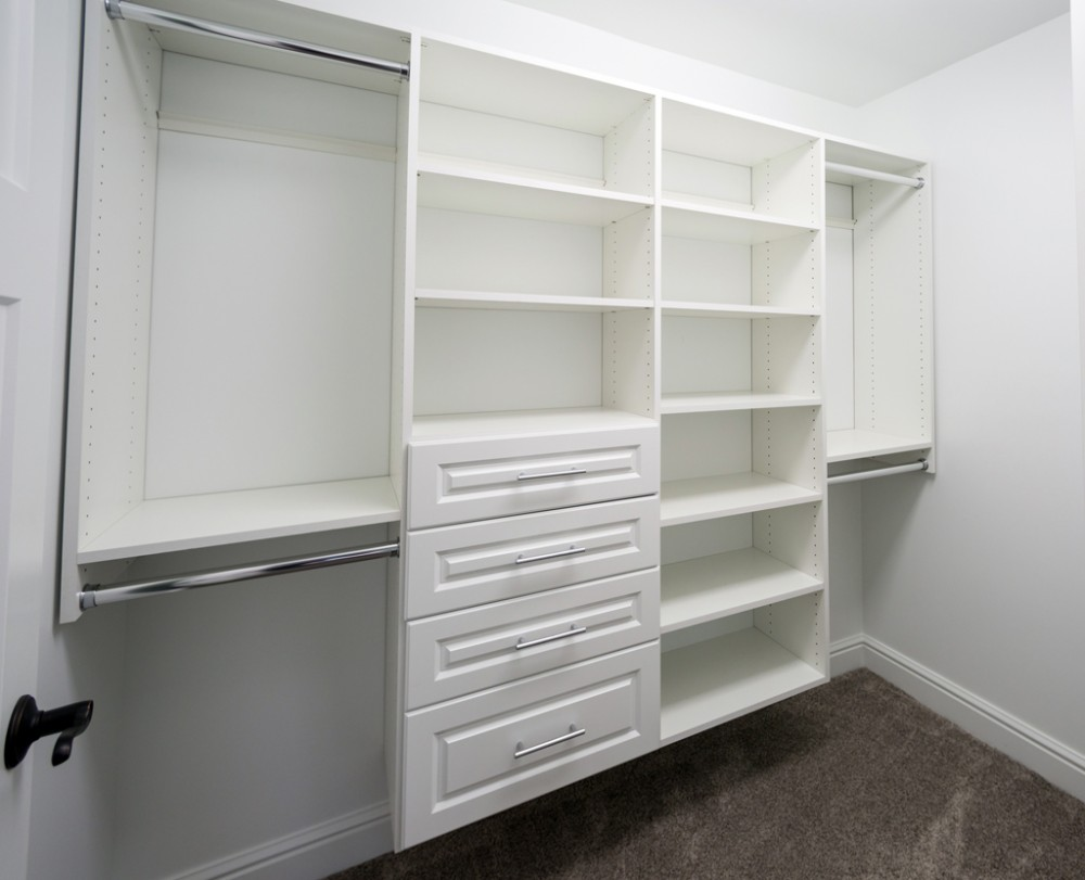 Custom_home_builder_Master_closet
