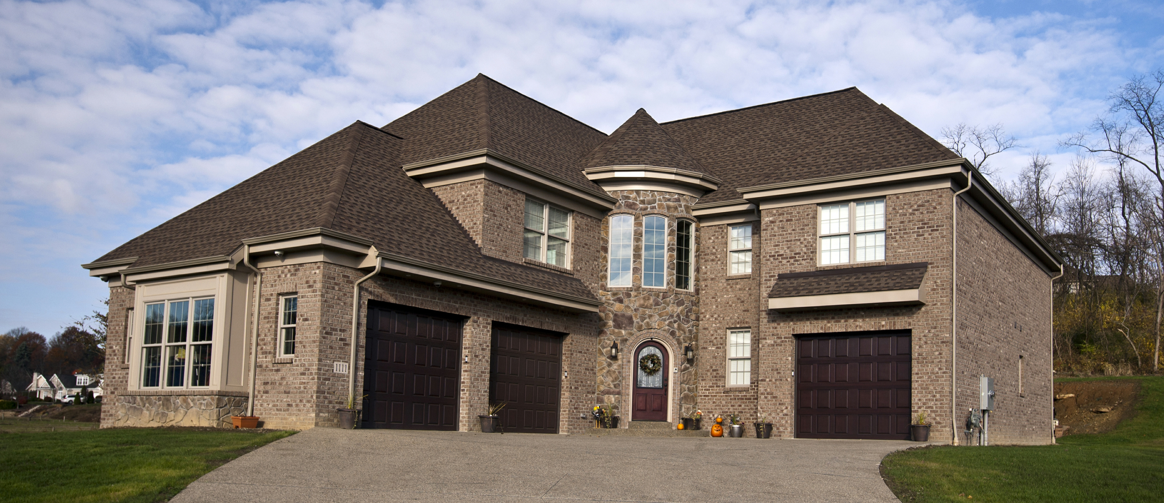 Consistently recognized as one of Pittsburgh's premier custom home builders, it is Paragon's goal to turn your dream into a reality through planning, attention to detail and outstanding customer service.
