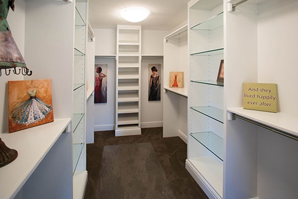 custom homes walk in closet